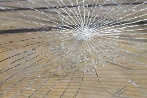 Glasscheibe gebrochen - Pixabay