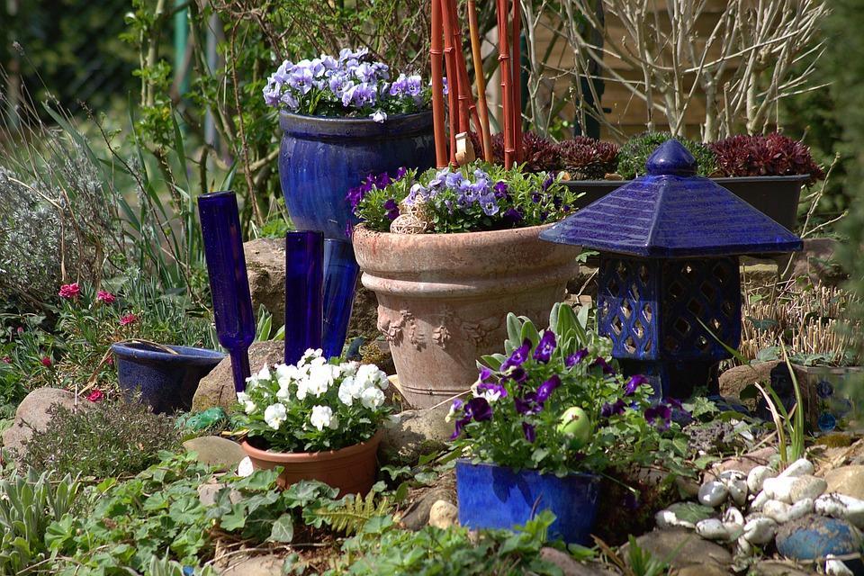 Frühling Gartenarbeit