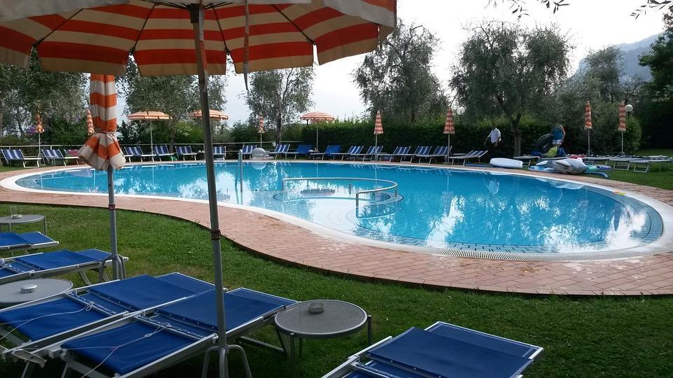 Swimmingpool - Pixabay